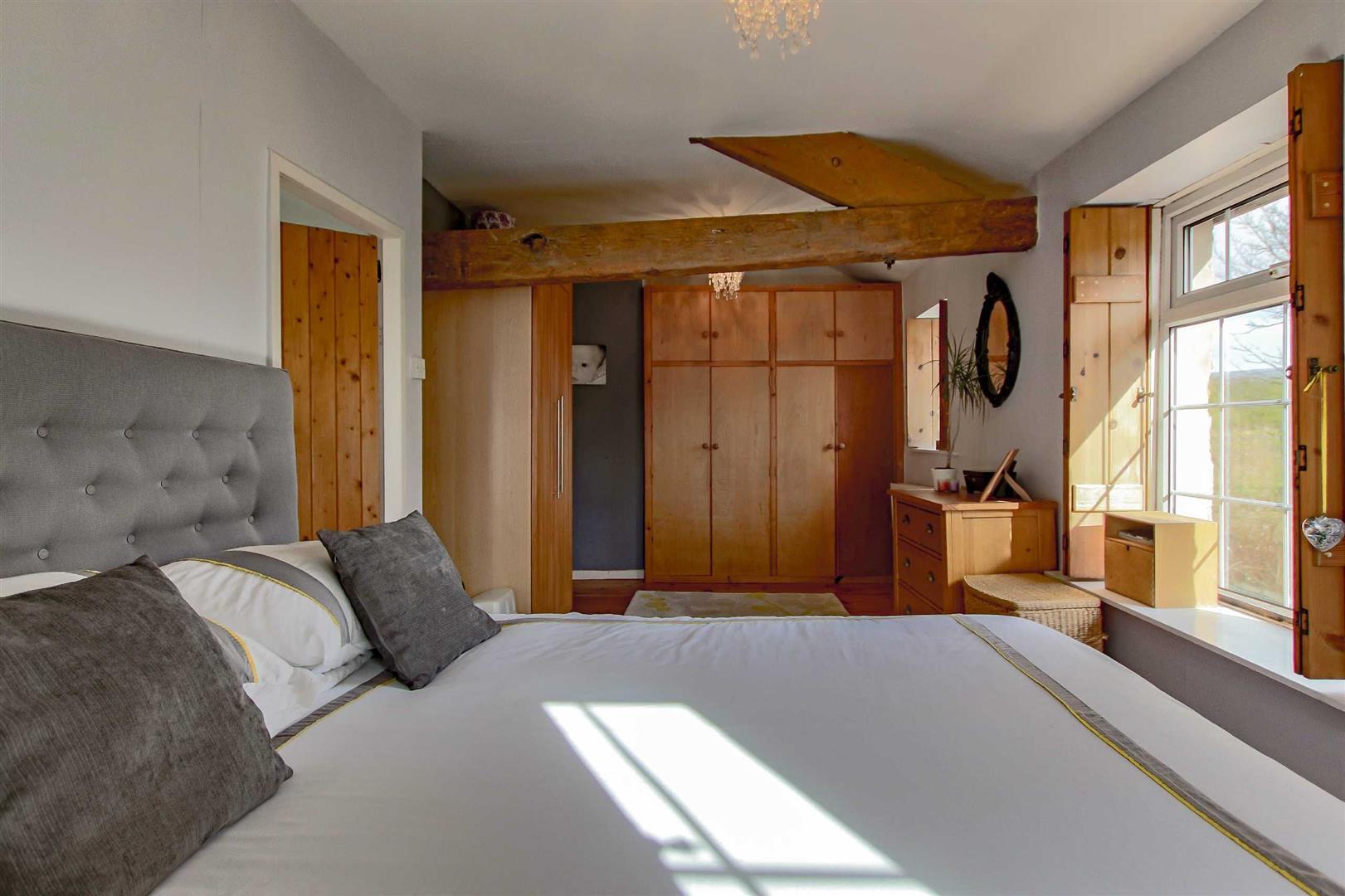 4 Bedroom Detached House For Sale - p033686_24.jpg